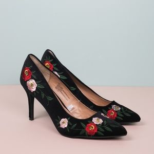 Shoes - Floral Embroidered Black Velvet Pumps